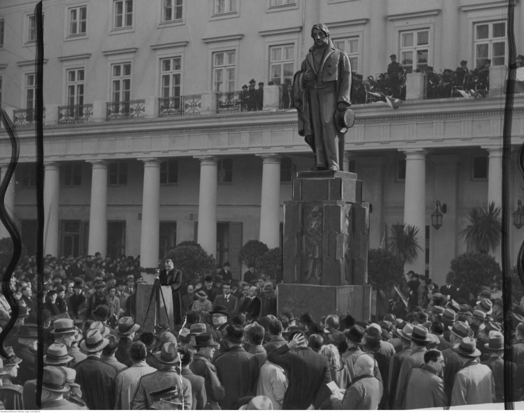 Odsłonięcie pomnika Wojciecha Bogusławskiego na placu Teatralnym w Warszawie, 1936