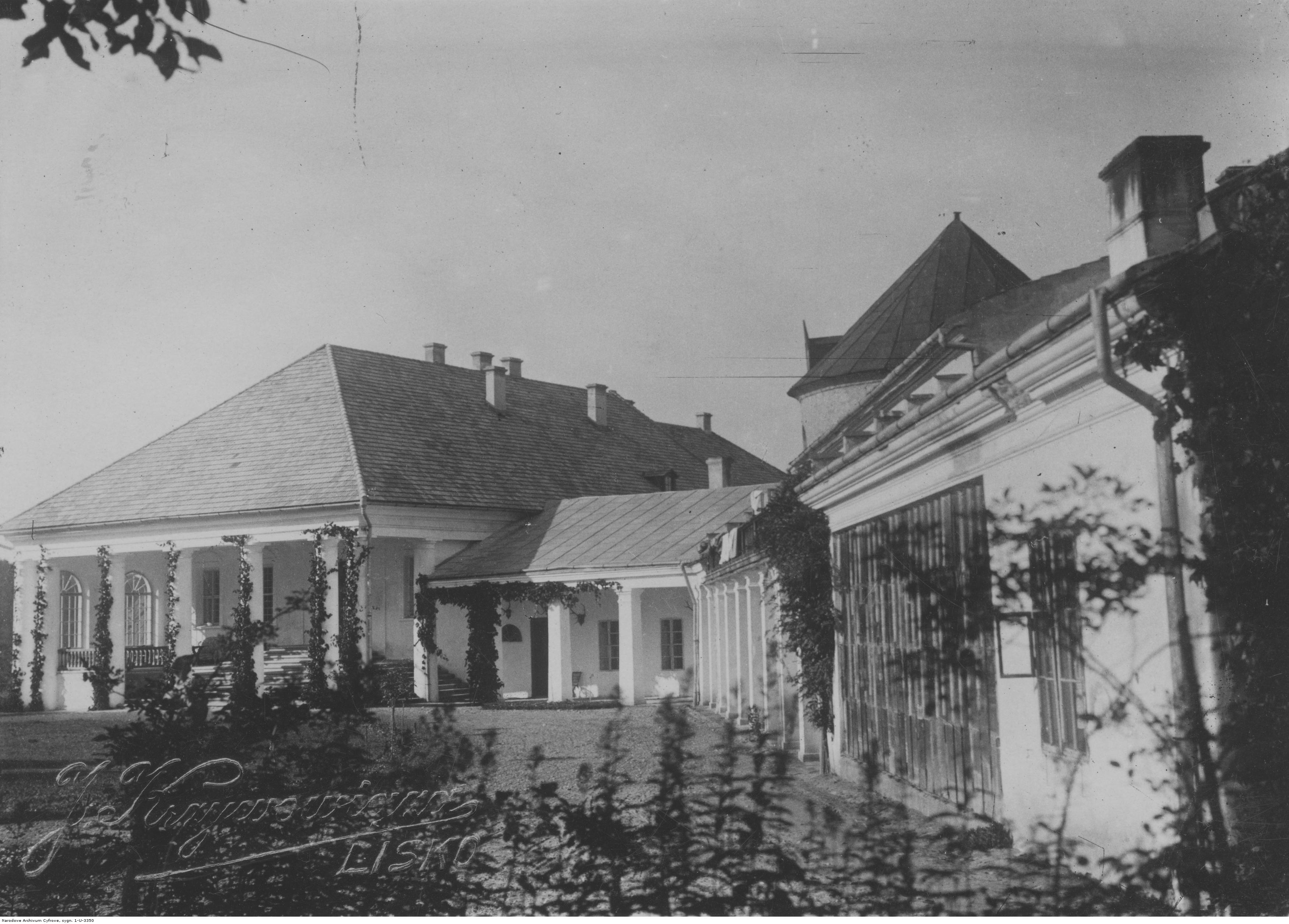 Zamek-w-Lesku